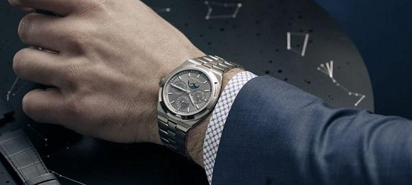 Dùng đồng hồ làm quà tặng vừa tiện lợi cho công việc vừa mang ý nghĩa đặc biệt